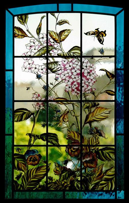 Blumenfenster mit Schmetterling | Entwurf: Wiltrud Vogt